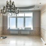 рулонные шторы в спальню в классическом стиле