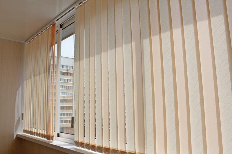 вертикальные жалюзи на балкон
